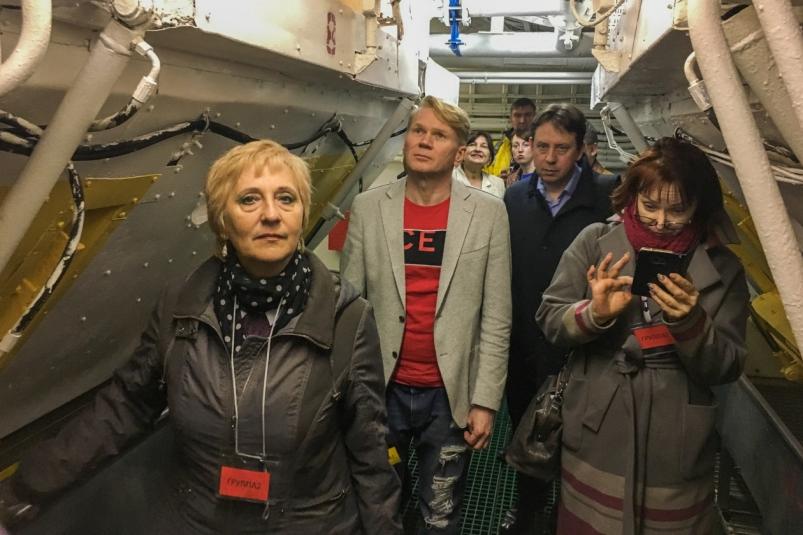 Выездное заседание Приморского отделения союза журналистов: из театра – на плавбазу