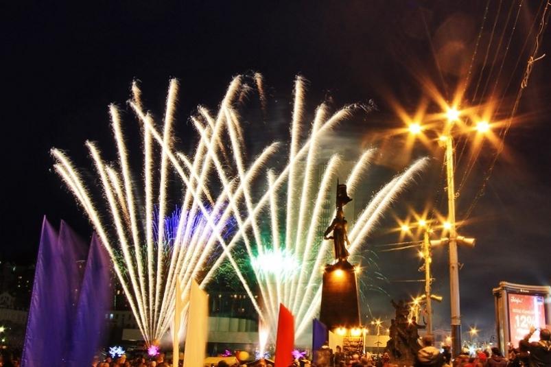 Салют в честь 9 мая жители Владивостока смогут увидеть в пяти точках