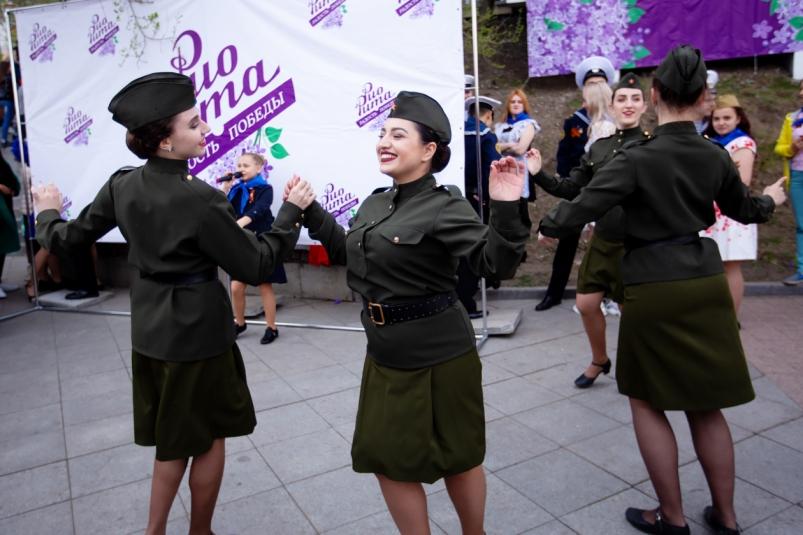 Культурная реконструкция ко Дню Победы прошла на Спортивной набережной во Владивостоке