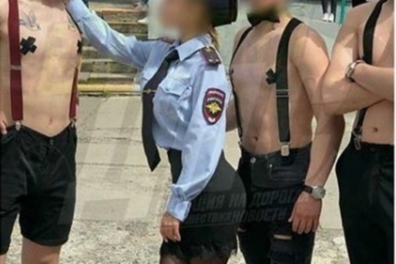 МВД: полицейскую форму для вечеринки владивостокские школьники купили в магазине